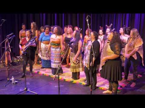 Meke (dance) - E ra sa voce yani ki cakau- MARAMA NI WASAWASA from YouTube · Duration:  3 minutes 38 seconds