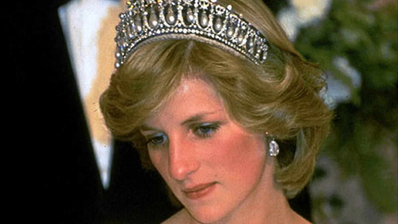Resultado de imagen para princess diana crying