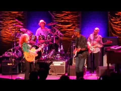 Baby I Love You - Bonnie Raitt - Keb Mo - Pacific Amphitheatre - Costa Mesa CA - Aug 22 2013