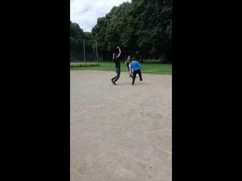 لعبين كرة القدم