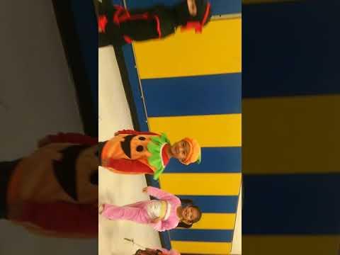 Cacc Montessori school Halloween parade Oct 2018