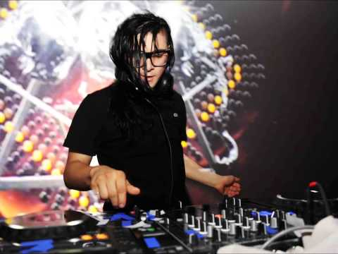 Skrillex - All is Fair in love and Brostep VS Yo Majesty - Club Action