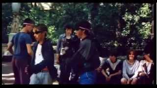 Советская молодежь танцует брейк-данс, фрагмент фильма