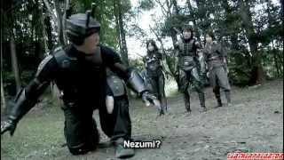 Mika Hijii as leather ninja girl fighting against alien エイリアンV...