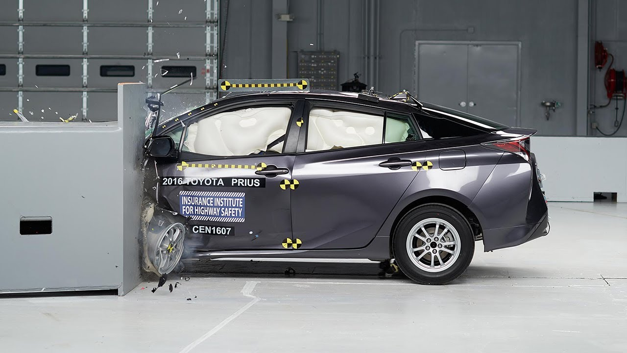 prius toyota crash test iihs safety trump driver measuring impact effect tweet cars side earned pick highway insurance institute