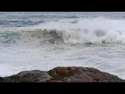 El mar arrastra olas de más de 6 metros en la costa burelesa