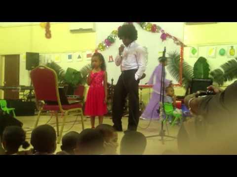 Karaoke au foyer des femmes de Moroni