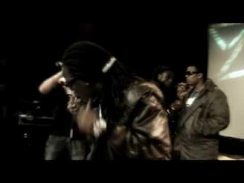 Nino & Priester - Uit Het Oog - Black Label Music