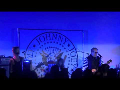 Steve Jones, Duff McKagan – Silly Thing (Sex Pistols), Hollywood Forever Cemetery 08-24-2014