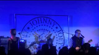 Steve Jones, Duff McKagan - Silly Thing (Sex Pistols), Hollywood Forever Cemetery 08-24-2014