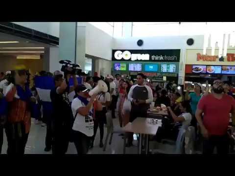 Protestas express en centros comerciales de Managua