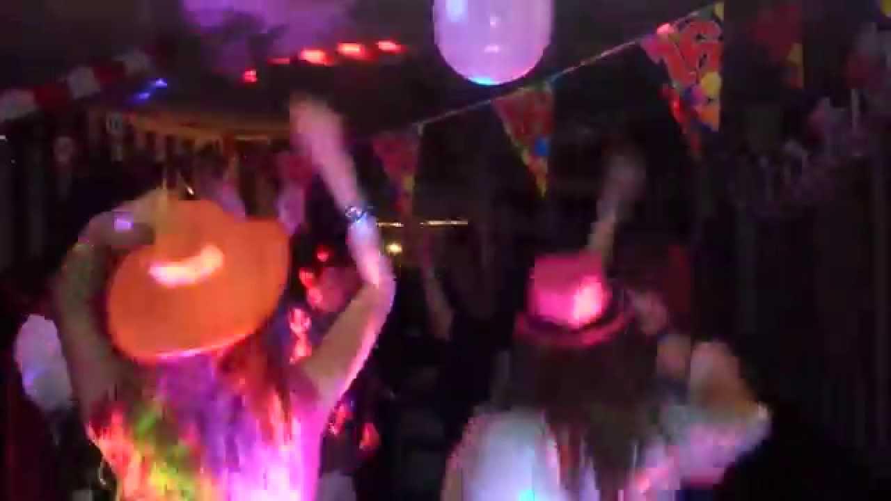 Woonkamer Van Djs : Dj arjan sweet sixteen party in de woonkamer in rotterdam youtube