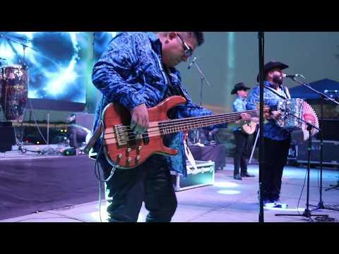 Eddie Perez on Bass(La Calma)
