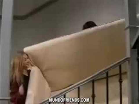 Friends blooper - sofa scene
