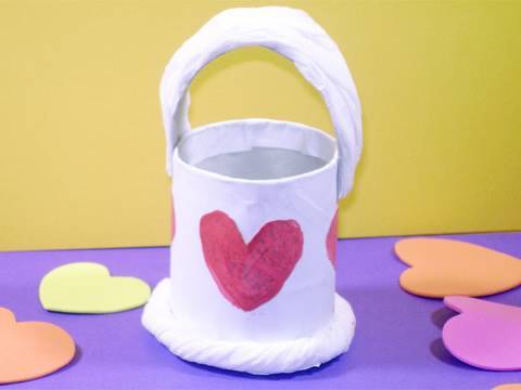 How to make a small basket with a tp tube ep simplekidscrafts simplekidscrafts youtube - Que manualidades puedo hacer ...
