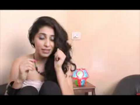 Hot Diva Neha Bhasin Reveals Her...