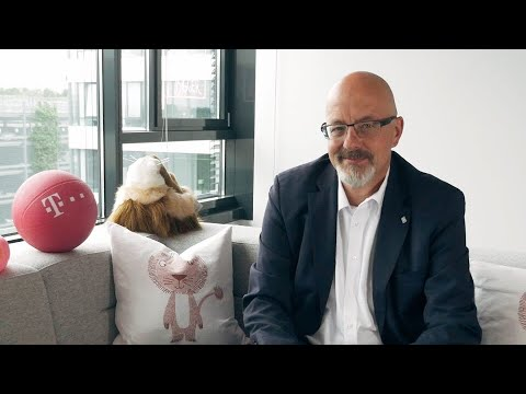 Social Media Post: Job Insights! Heute: Christoph Tomaschko, Vice President Market SDM...
