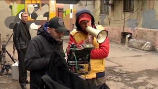 Индустрия кино  на съёмках трагикомедии  Звёзды