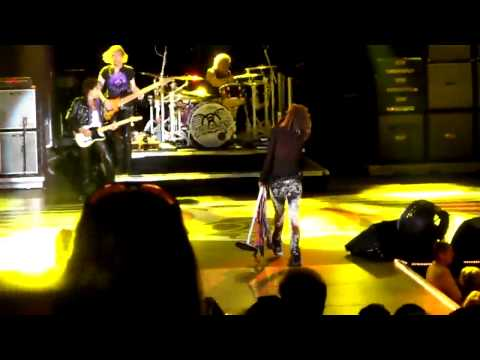 Aerosmith - Home Sweet Home, Irvine Verison Amphitheter 7/29/10 from Center Orchestra