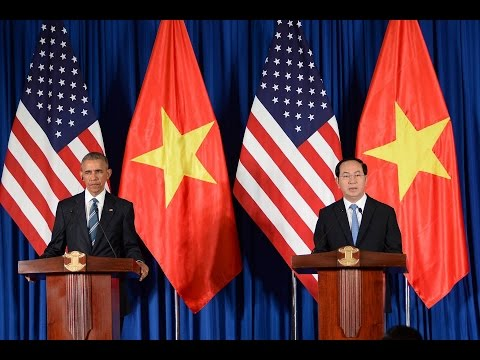 [Engsub] Obama in Vietnam: End of Longstanding Arms Embargo