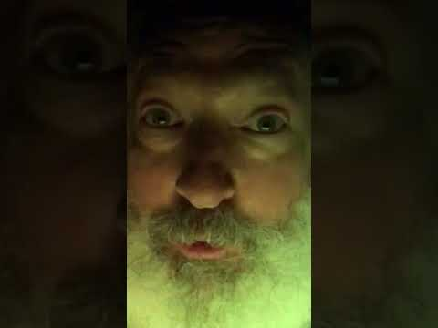 Randy Quaid performs Trump Tweet from May 1, 2018 8am
