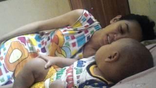 Figlio Dipaksa Tidur