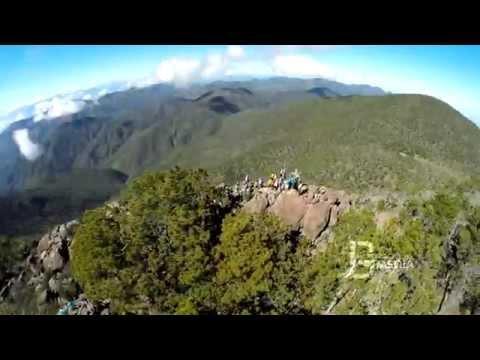 El Pico Duarte desde el aire.