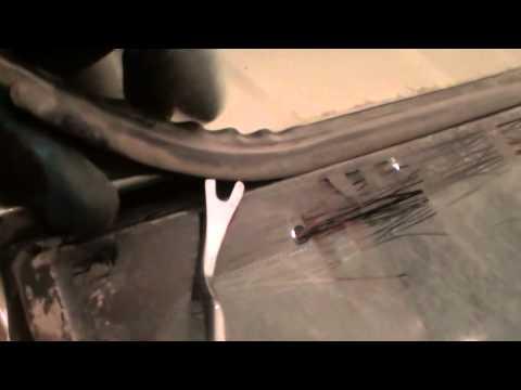 Nissan Almera замена лобового стекла