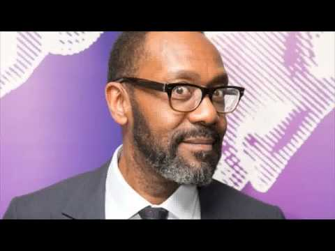 Praise for Sir Lenny Henry after opening night 'stumble'
