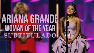 Ariana Grande recibe el premio a Mu...
