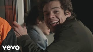 Repeat youtube video One Direction - Midnight Memories (Behind The Scenes Part 3)