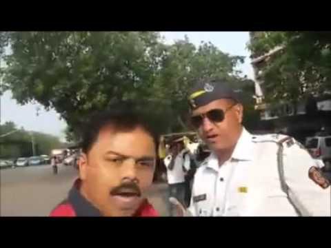 Mumbai Traffic Cop asking Bribe Shamelessly