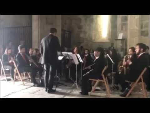 A Banda de Meira volve sorprender cunha adaptación da canción do verán