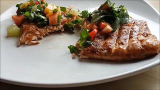 Филе лосося на гриле (Семги) с соусом из апельсина,лаймы и петрушки