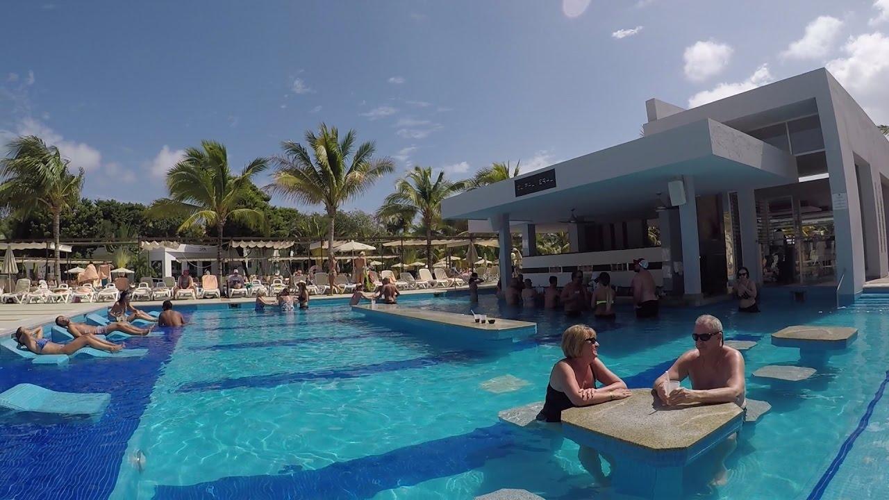 riu palace mexico video -  swim-up pool bar