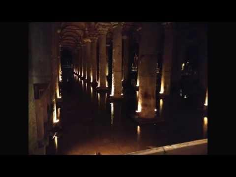 La Cisterna Basilica :  Yerebatan Sarayi   Sarnici  Istanbul.