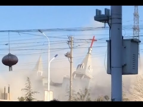 Chinese authorities demolish a Christian church