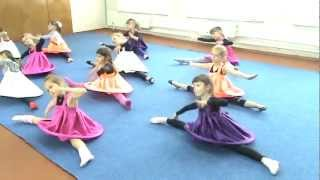 Танец Раз ладошка два ладошка репетиция ЭШ Черкассы