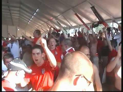 England Supporters Sing Vindaloo Portugal 2004 (v2)