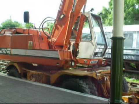 DCDR Daewoo road/rail excavator in action - YouTube
