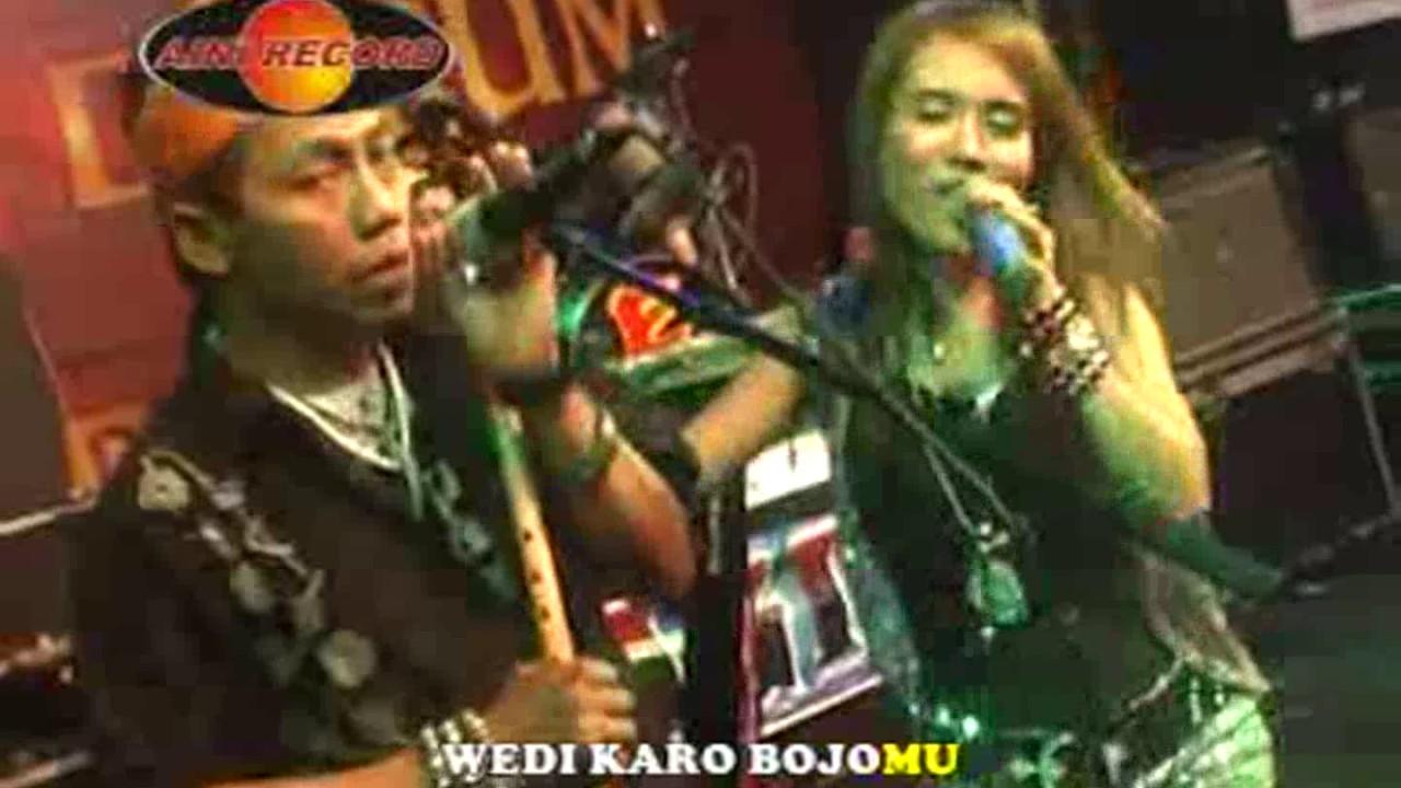 Wedi Karo Bojomu - Eny Sagita (Official Music Video) - YouTube