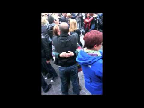 Flash mob di protesta svolto presso ikea porta di roma il - Porta di roma ikea ...