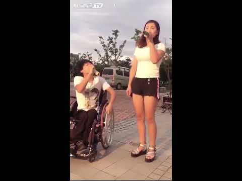 Amazing Sad Street Performer, Amazing voice Busker chinese