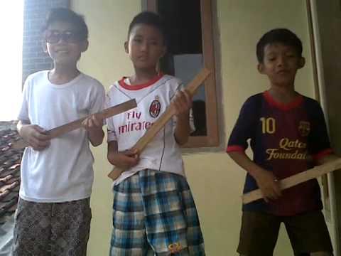 Trio Sableng Joget Galau (Cinta Di Tolak) Boyband Ubur ubur