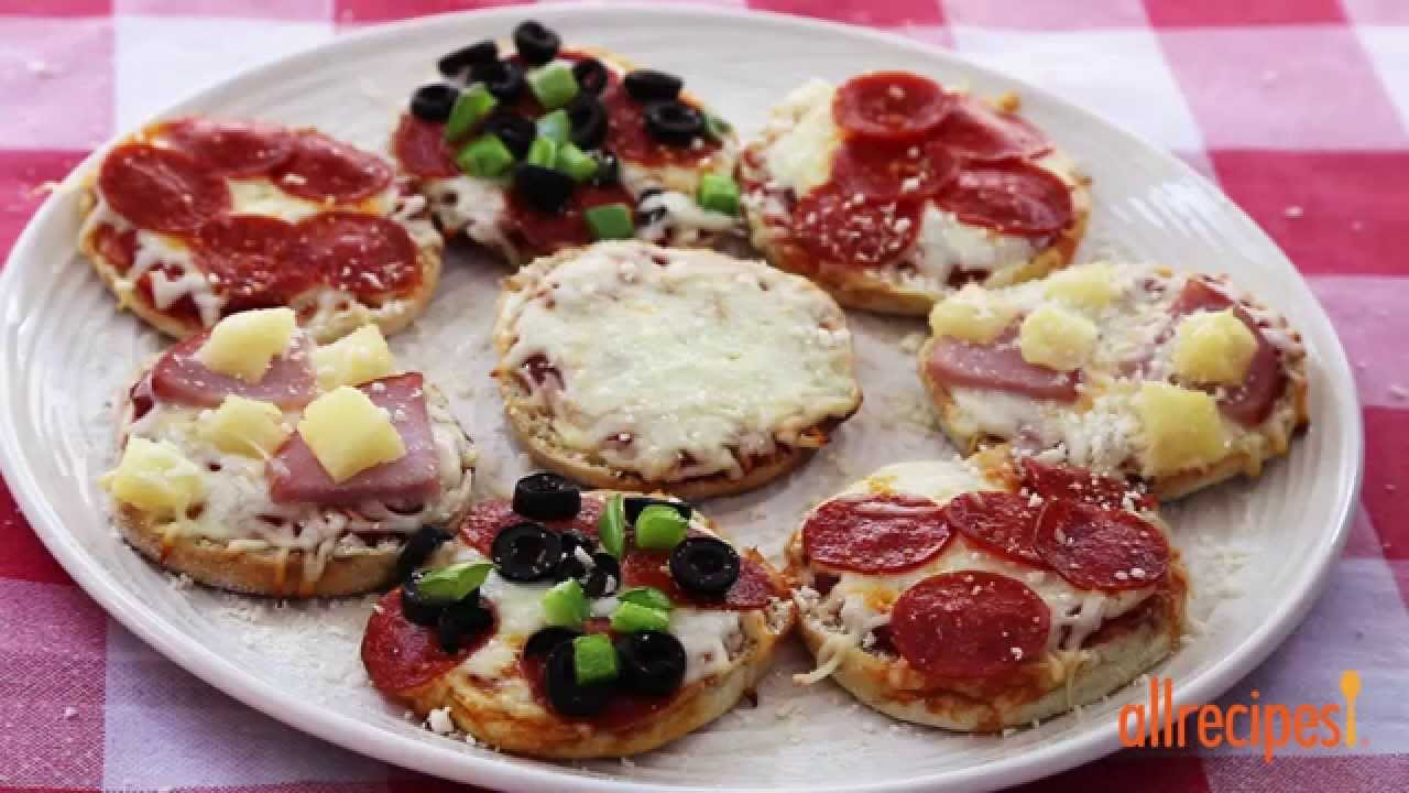 How To Make English Muffin Pizzas Kid Friendly Recipes