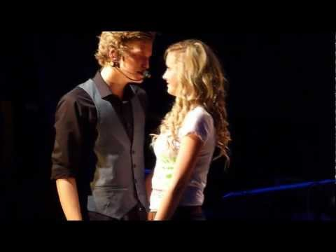 CODY SIMPSON- NOT JUST YOU (SERENADES A FAN ON STAGE)*
