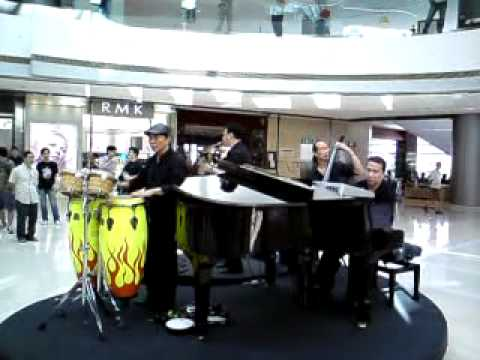 Jazz band in IFC (Hong Kong)