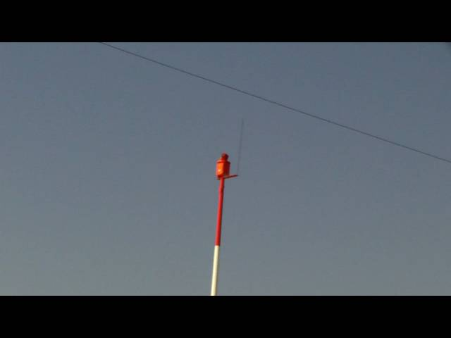 pt12 the nampa airport. this looks like an emergency antenna on a pole