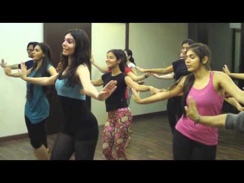 Choli ke Peeche (Bollywood)