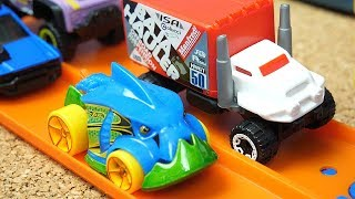 Hot wheels Cars toys Compilation for Kids Color Cars and Barrels o Slime